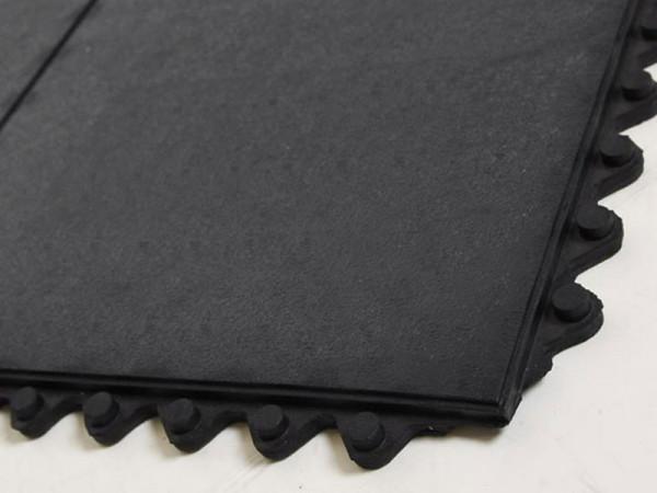Bodenplatten Gummi, glatte Oberflaeche